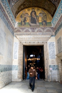 Mosaic over the southwestern door into the narthex of the Hagia Sophia. Constantine and Justinian offer Christ models of the city walls and imperial cathedral.